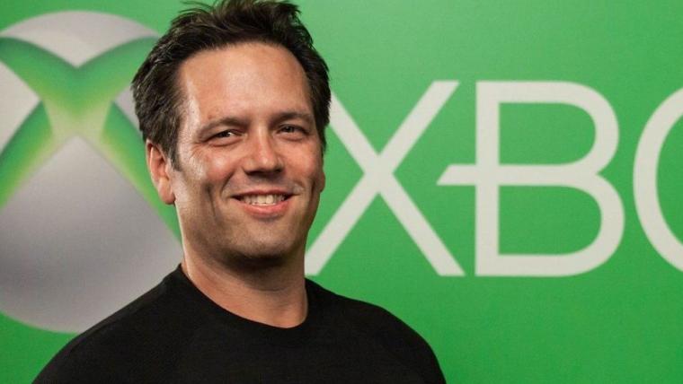 """Phil Spencer, chefe da divisão Xbox, diz que tem """"muito respeito"""" pela Nintendo, mas que não vê a empresa como principal concorrente"""